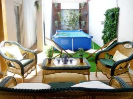 Apartment with pool by the beach, hotel with pools in Valencia