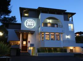 ホテル 202