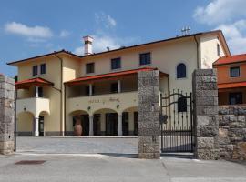 Hotel Malovec, hotel blizu znamenitosti Predjamski grad, Divača