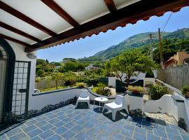 BnB Le Isole, hotel near Santa Maria al Monte Church, Ischia