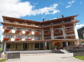 Sporthotel Rasen, hotel in Rasùn di Sotto