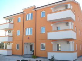 Apartments Buzleta II, room in Fažana