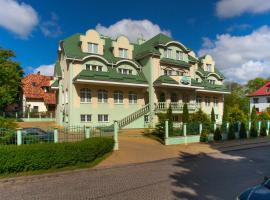 Oberteich Lux, hotel with pools in Kaliningrad