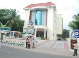 Hotel Vpn Residency, beach hotel in Velānganni