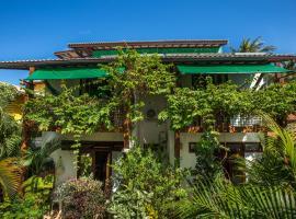 Casa Verde Apart, hotel near Baleia Jubart Institute, Praia do Forte