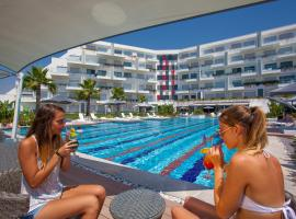Q SPA Resort, hotel with jacuzzis in Side