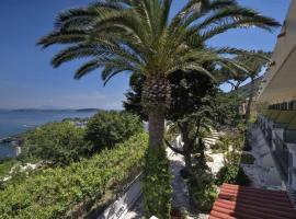 Hotel Villa Ireos, hotel in Ischia