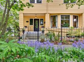 11th Avenue Inn Bed and Breakfast, vacation rental in Seattle