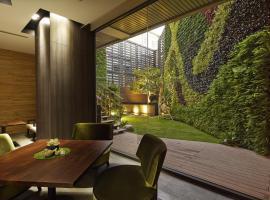 La Vida Hotel, מלון בשיטון