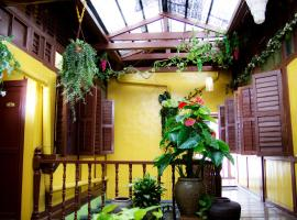 Vintage House, guest house in George Town