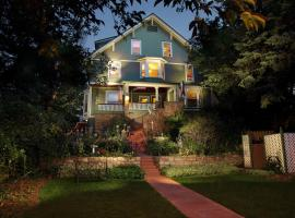 Avenue Hotel Bed and Breakfast, hotel with jacuzzis in Manitou Springs