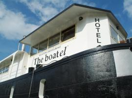 Hotel The Boatel, budget hotel in Ghent