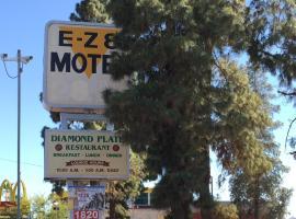 EZ 8 Motel Airporter, hotel in Phoenix