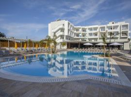 Mayfair Hotel formerly Smartline Paphos, מלון בפאפוס סיטי