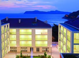 Dubrovnik Luxury Residence – L'Orangerie, beach hotel in Dubrovnik