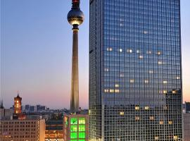 Park Inn by Radisson Berlin Alexanderplatz, spa hotel in Berlin