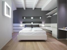Como Luxury Rooms, guest house in Como