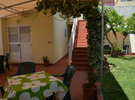 Apartments Gareta, room in Gradac