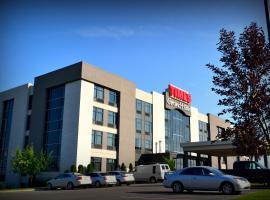 Grand Times Hotel – Aeroport de Quebec, hotel in Quebec City