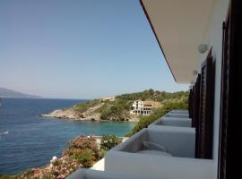 Lithos Hotel, hotel in Pythagoreio