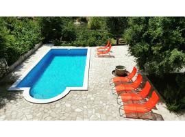Villa Velagic, hotel near Mostar International Airport - OMO,