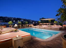 Petit Ermitage, hotel in Los Angeles
