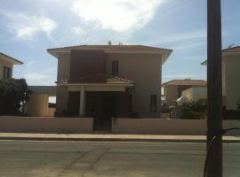 Sand Beach Villas 8, hotel in Oroklini