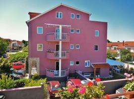 Apartments & Rooms Nikolić