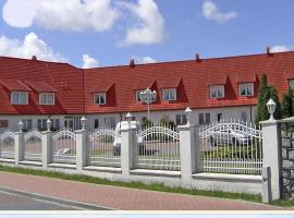 Rezydencja Nad Jeziorem Łebsko, hotel in Łeba