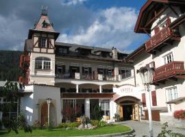 Hotel Bachmann, hotel near Lake Braies, Villabassa