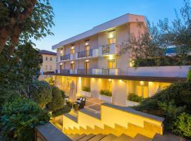 Virgilio Grand Hotel, hotel in Sperlonga
