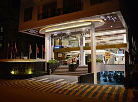 Sepoy Grande, hotel with pools in Mysore