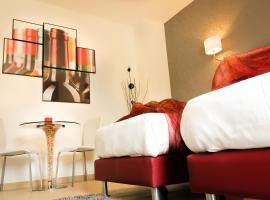 科莫羅索維諾酒店