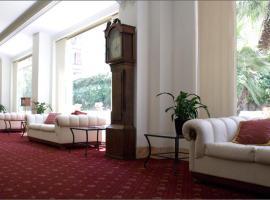 Residence V House