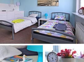 HELLO Gdynia Hostel – hotel w pobliżu miejsca Przystań jachtowa Marina Gdynia w mieście Gdynia