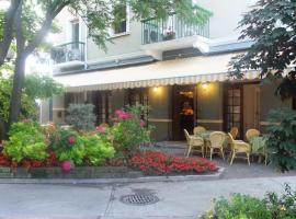 Hotel Milano, hotel in Grado