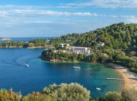Cape Kanapitsa Hotel & Suites, hotel near Skiathos Castle, Kanapitsa