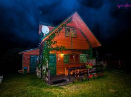 Domki Karaibskie – hotel w pobliżu miejsca Latarnia morska Stilo w Sasinie