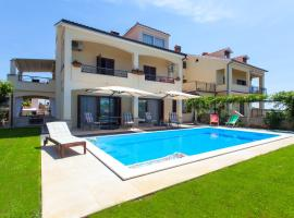 Premium Central Apartments, hotel near Vrsar Old Town, Vrsar