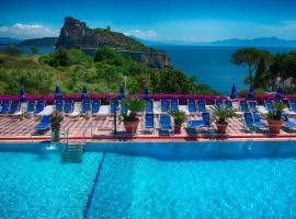 Hotel Parco Cartaromana, hotel near Cartaromana Beach, Ischia