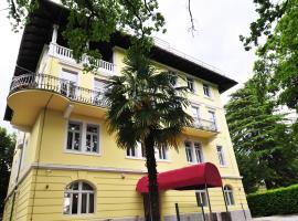 Hotel Villa Laurel, hotel u Lovranu
