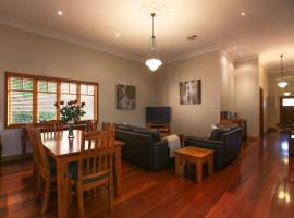 Centro Perth Short Stay, budget hotel in Perth
