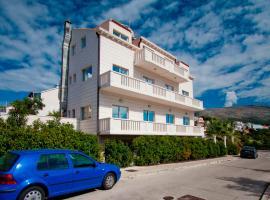 Cocoon Hostel & Apartments