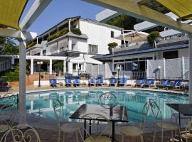 Villa Poseidon Boutique Hotel, hotel v destinácii Salerno