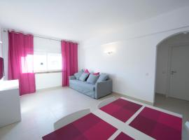Apartamentos Tio Papel II, hotel near Albufeira Old Town Center, Albufeira