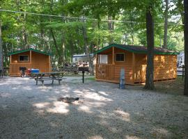 Plymouth Rock Camping Resort Studio Cabin 1