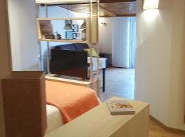 Estudio Atico Ourense, hotel cerca de Manantiales de As Burgas, Ourense