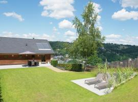 Luxury Apartment in Malmedy with Jacuzzi, apartment in Malmedy