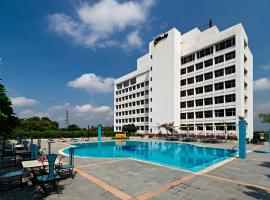 Clarks Avadh, hotel with pools in Lucknow