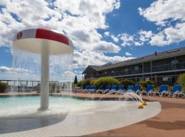 Riviera Beach Resort, family hotel in South Yarmouth